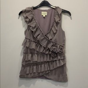 Flirty and feminine sleeveless blouse - Deletta -M